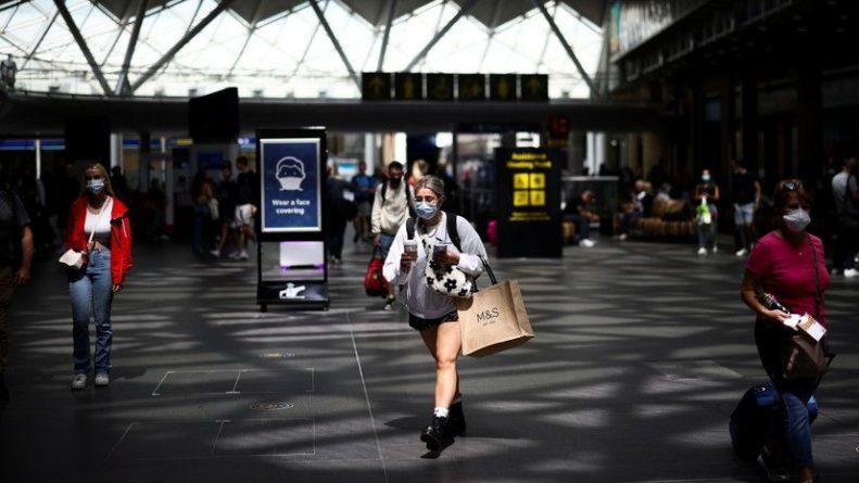 Общество: Число случаев коронавируса в Британии превысило 6,4 млн