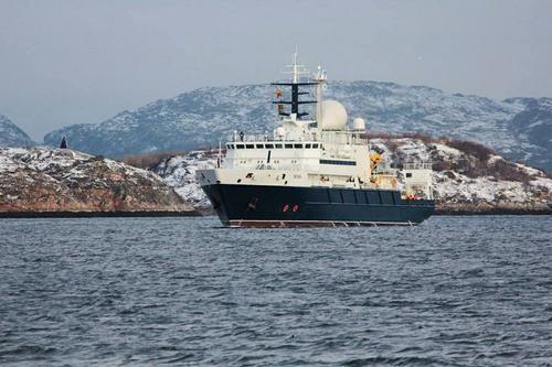 Общество: Daily Express: «корабль-шпион» из России «крадется» к водам Великобритании у западного побережья Ирландии