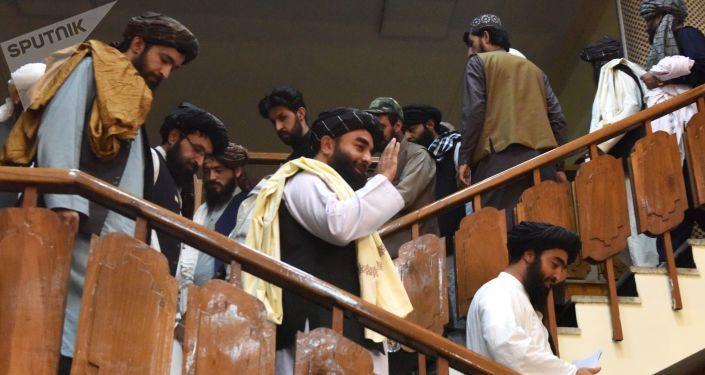 Общество: Лондон проявляет готовность сотрудничать по Афганистану с Моской, Пекином и Дели