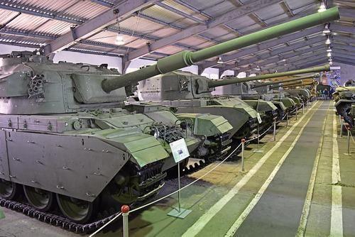 Общество: Британец создал фейковый военный музей в корыстных целях