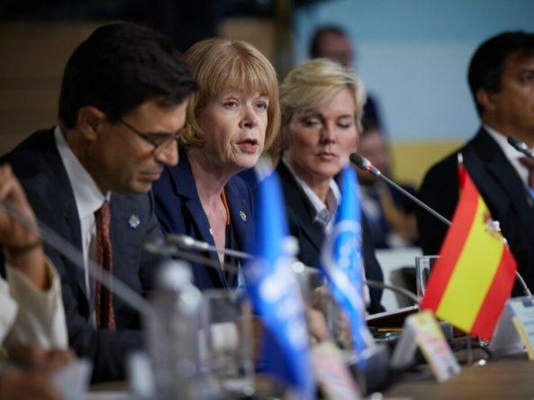 Общество: Крымская платформа позволит привлечь РФ к ответственности – Великобритания