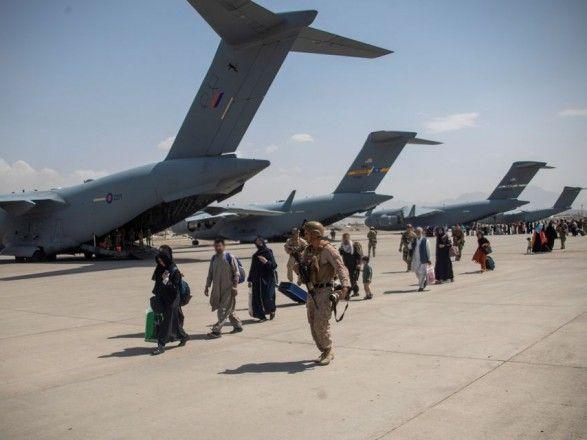 Общество: Великобритания эвакуировала более 7 тысяч человек из Афганистана