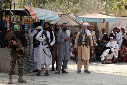 Общество: Великобритания обсудит включение Афганистана в «черный список»
