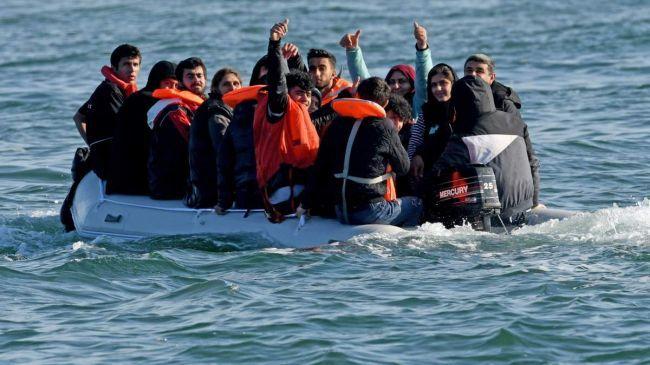 Общество: Британию заполоняют мигранты: задерживают по 800 человек за день
