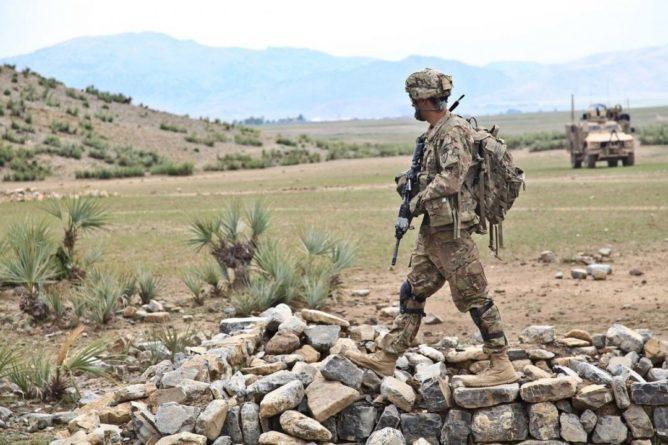 Общество: Власти США и Великобритании предупредили об угрозе безопасности в аэропорту Кабула