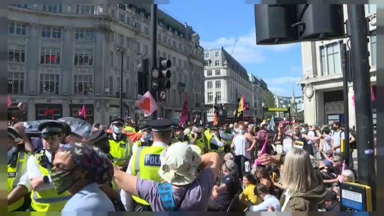 Общество: Экопротесты в Лондоне