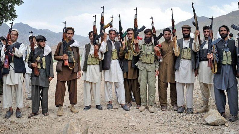 Общество: Минобороны Британии предупредило об угрозе теракта в аэропорту Кабула