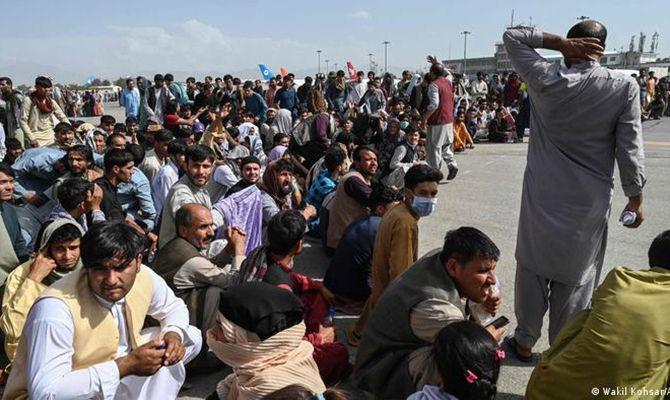 Общество: Теракт в аэропорту Кабула может произойти в ближайшие часы, - Минобороны Британии