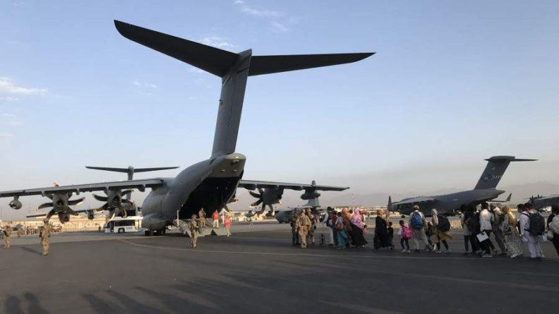 Общество: Джонсон напомнил об оставшемся времени для эвакуации из Кабула