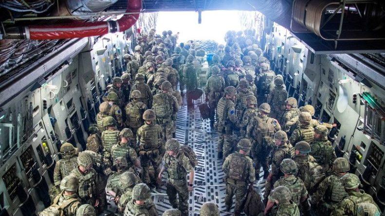 Общество: Глава Минобороны Великобритании заявил о росте угрозы безопасности в Афганистане