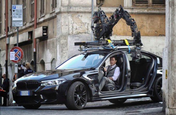 Общество: В Британии у Тома Круза угнали BMW с дорогими вещами