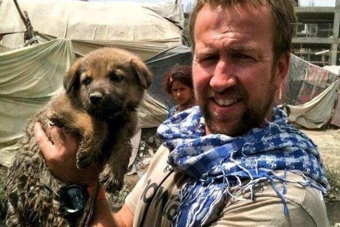 Общество: Британец эвакуирует из Афганистана 200 собак и кошек на правительственном рейсе