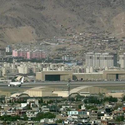 Общество: Власти Великобритании начали вывозить из Афганистана военнослужащих королевства