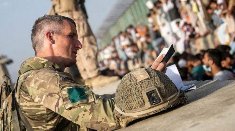 Общество: Великобритания завершила операцию по эвакуации гражданских лиц и военнослужащих из Афганистана