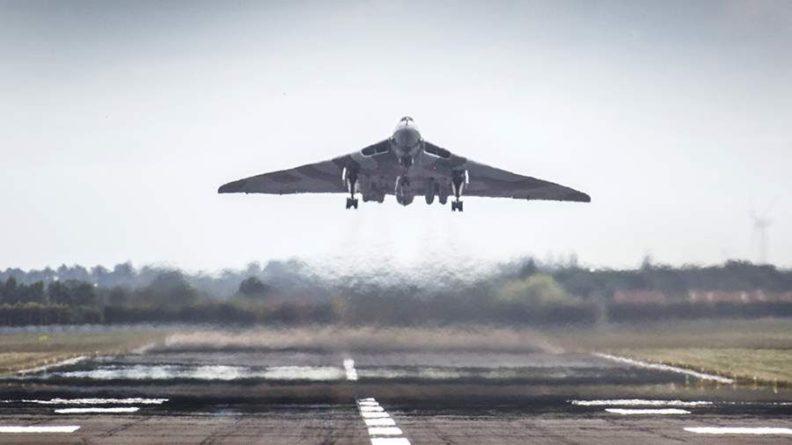 Общество: ВВС Британии заявили о готовности нанести новые авиаудары по Афганистану
