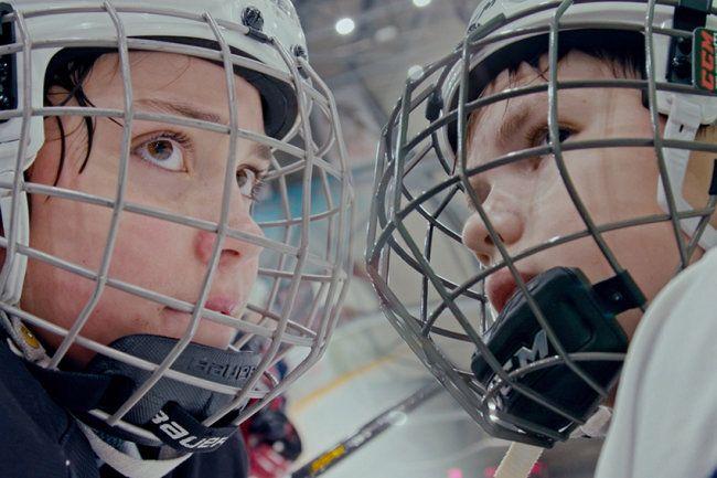 """Общество: Трейлер: """"КиноПоиск"""" выпустит документалку о хоккейном уральском дерби"""
