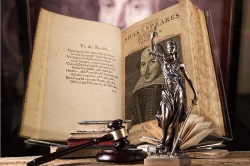 Общество: Суд Великобритании приговорил нациста к чтению классической литературы