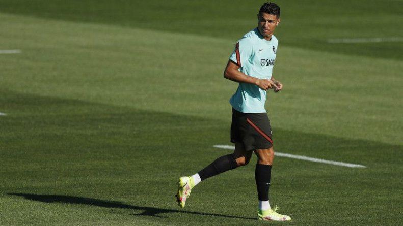 Общество: Роналду покинул расположение сборной Португалии и вернулся в Манчестер
