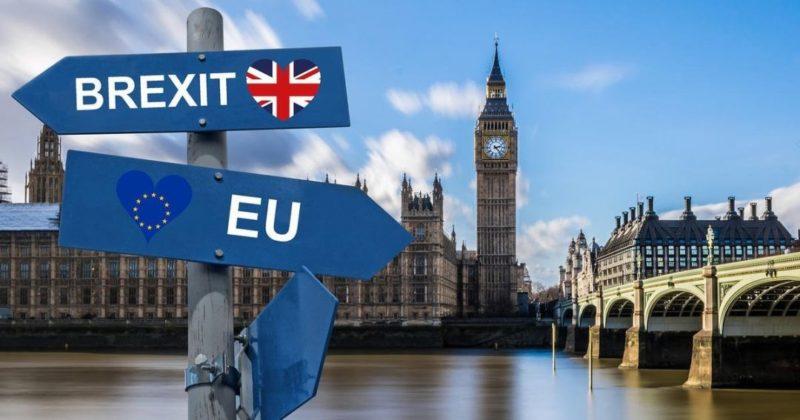 Общество: Великобритания понесла огромные убытки из-за Brexit