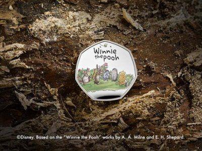 Общество: Королевский монетный двор Британии выпустил 50-пенсовую коллекционную монету с Винни-Пухом