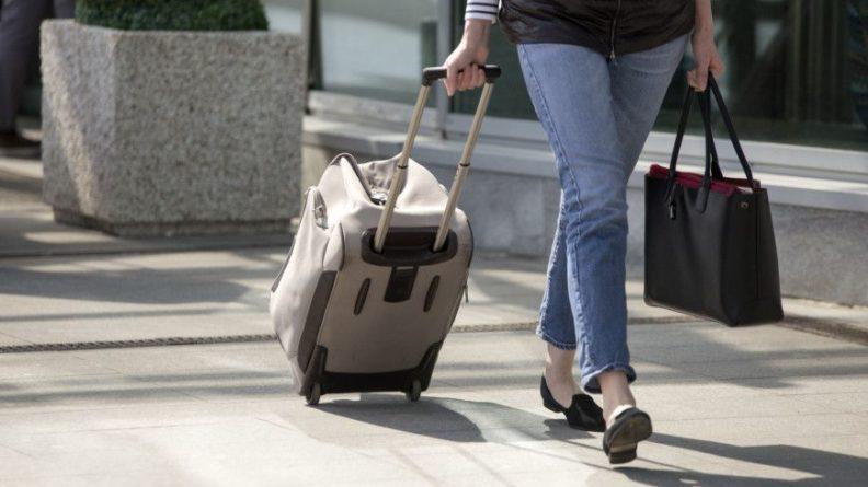 Общество: Для возвращающихся из Великобритании в Россию туристов отменили самоизоляцию