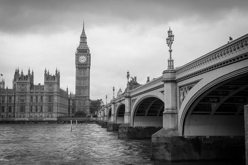 Общество: Издание Politico сообщило, что в Британии разработан подробный план действий в случае смерти королевы