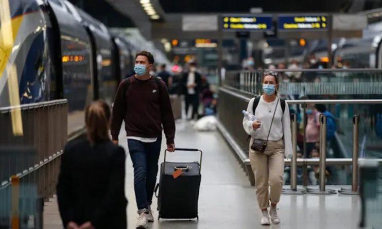 Общество: РФ отменила карантин для прибывающих из Великобритании