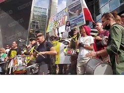 Общество: Париж и Лондон захватили акции протестов COVID-диссидентов