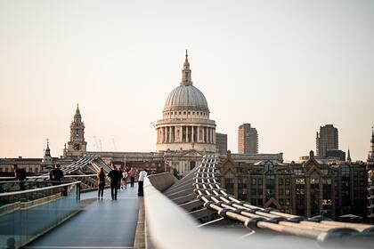 Общество: Восстановление экономики Великобритании затормозил рекордный кризис