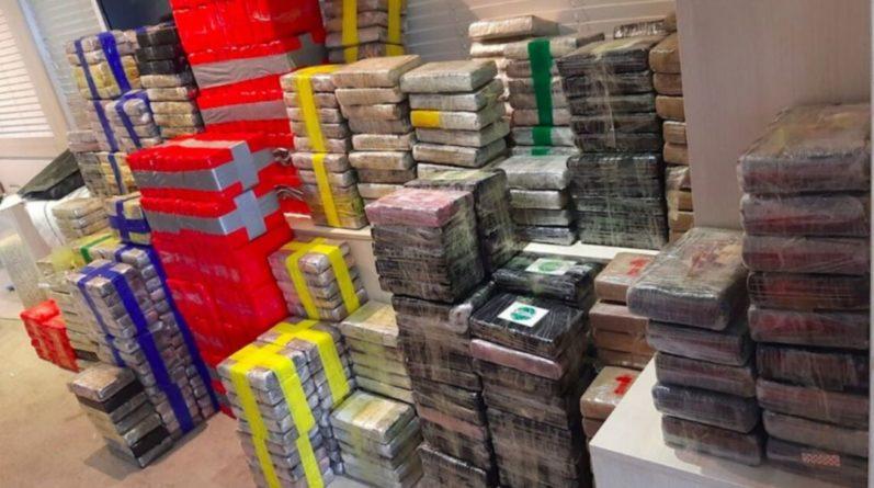 Общество: У Британии перехватили яхту с 2 тоннами кокаина