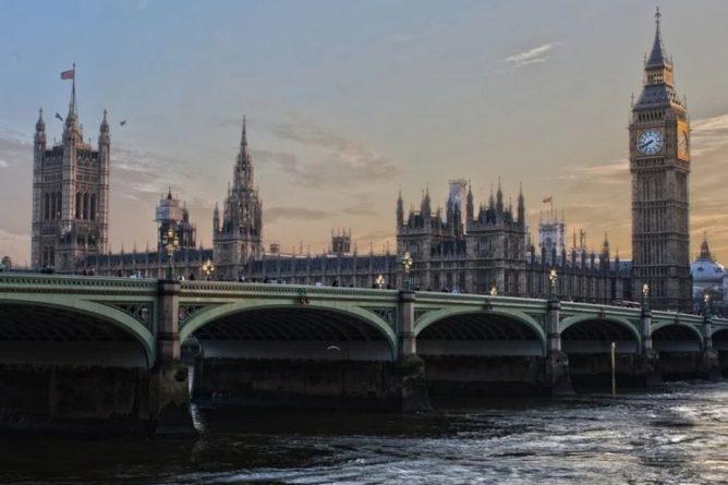 Общество: Профсоюз Британии: в Англии наблюдается катастрофическая нехватка врачей