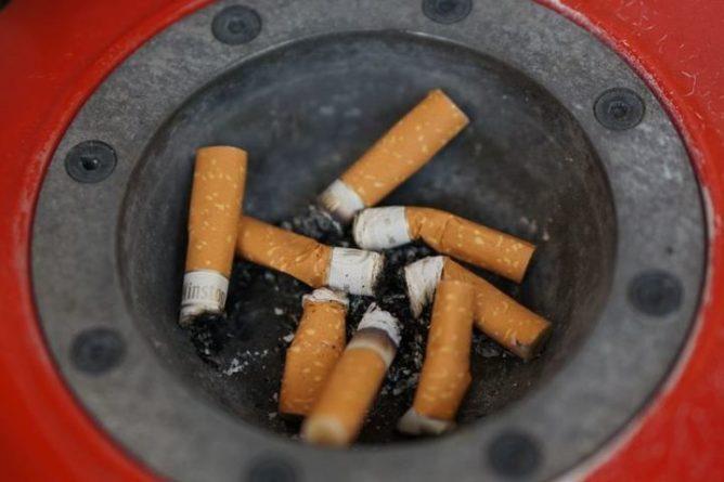 Общество: Британец рассказал об ощущении запаха сигарет после COVID-19