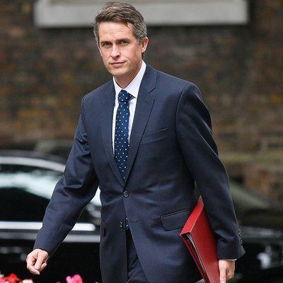 Общество: Министр образования Великобритании Гэвин Уильямсон сообщил об отставке