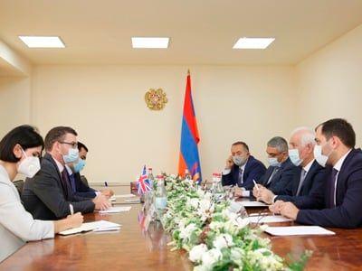 Общество: Министр высокотехнологической промышленности Армении и посол Великобритании обсудили вопросы сотрудничества