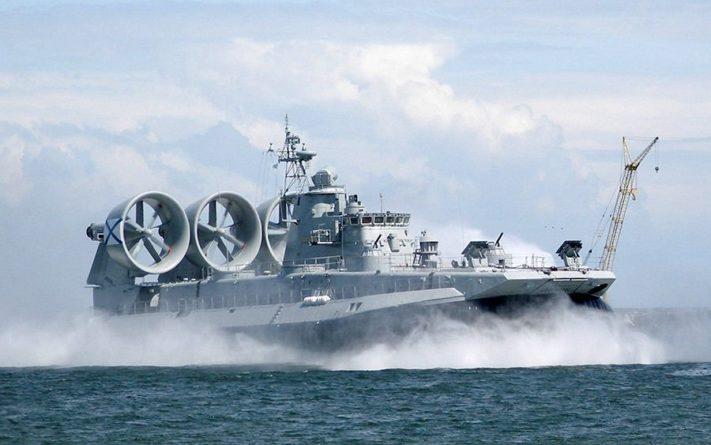 Общество: Британцы назвали десантный корабль России «абсолютным чудовищем» (фото, видео)