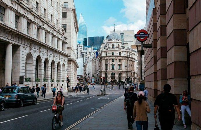 Общество: Великобритания сняла часть ковидных ограничений на въезд в страну