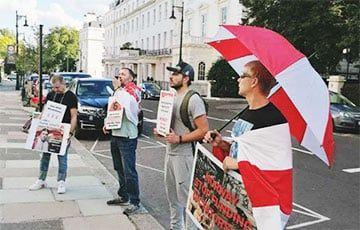 Общество: В Лондоне прошла акция солидарности со свободными белорусами