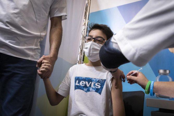 Общество: В Британии решили вакцинировать подростков не так, как в Израиле
