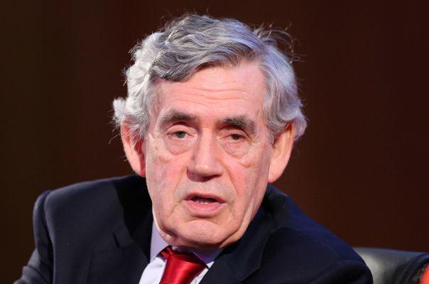Общество: Экс-премьер Британии Браун получил пост посла ВОЗ по глобальному финансированию
