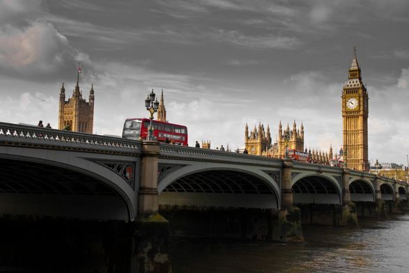 Общество: Великобритания снимает часть карантинных ограничений