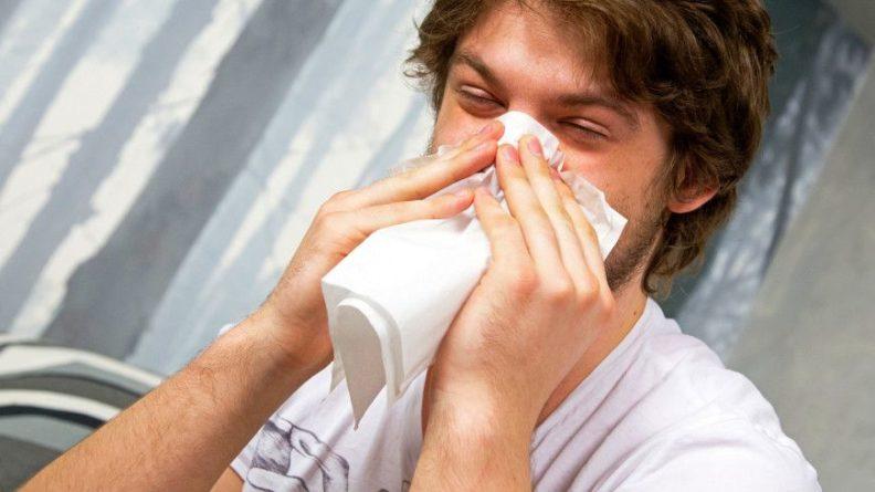 Общество: Британец после коронавируса стал ощущать запах сигарет