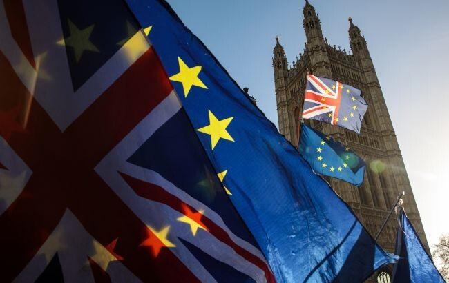 Общество: Великобритания осудила проведение выборов в Госдуму РФ на территории Крыма