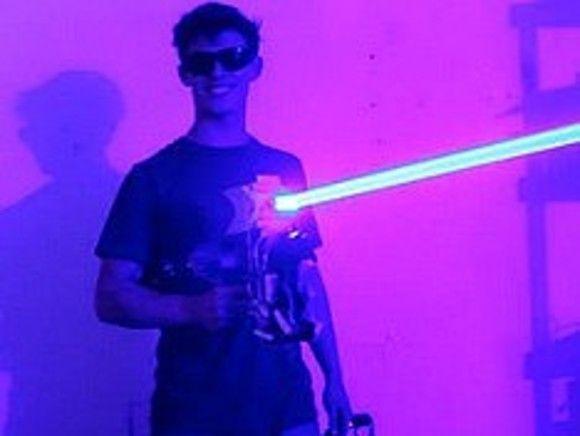 Общество: Британия разрабатывает лазерное оружие с неограниченным боеприпасом