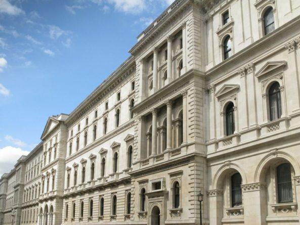 Общество: МИД Великобритании вызвал советника-посланника посольства России. С ним обсудят причастность третьего россиянина к отравлению Скрипаля