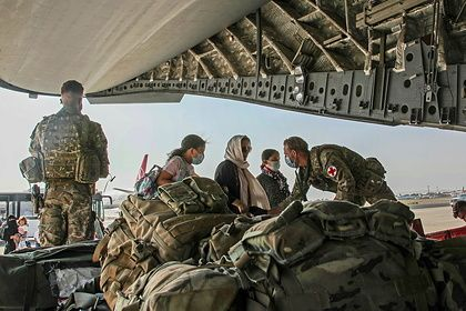 Общество: Великобритания отказалась направлять помощь афганцам через талибов
