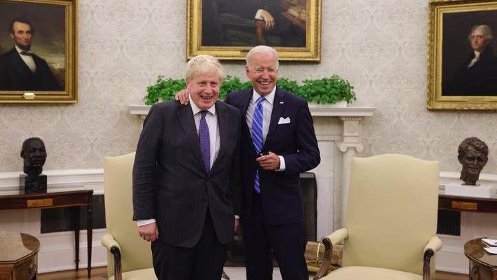 Общество: Байден и Джонсон договорились о едином подходе к России и Китаю
