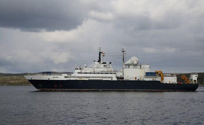 Общество: Российский корабль-шпион в Ла-Манше: судно, перекусывающее подводные интернет-кабели, замечено у берегов Великобритании (Daily Mail, Великобритания)
