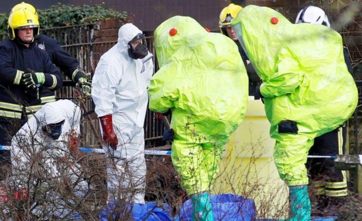 Общество: В РФ отвергают обвинения по делу Скрипалей и предлагают Лондону провести совместное расследование