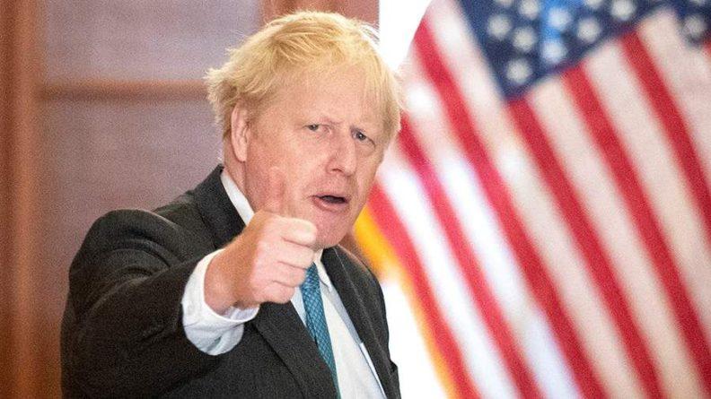 Общество: Джонсон посоветовал Франции «взять себя в руки» на фоне создания AUKUS