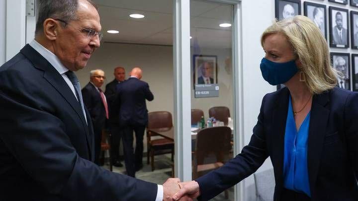 Общество: Лавров впервые встретился в ООН с новой главой МИД Великобритании